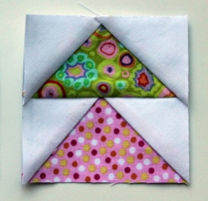 http://wombatquilts.com/2013/08/19/flying-geese-paper-piecing-monday-style/comment-page-1/#comment-6531